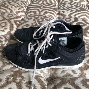 Black Nike Lunar Glides